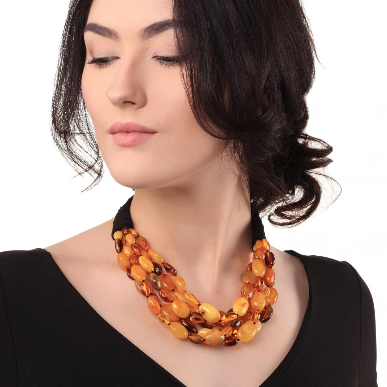 Autumn Beans Amber Necklace