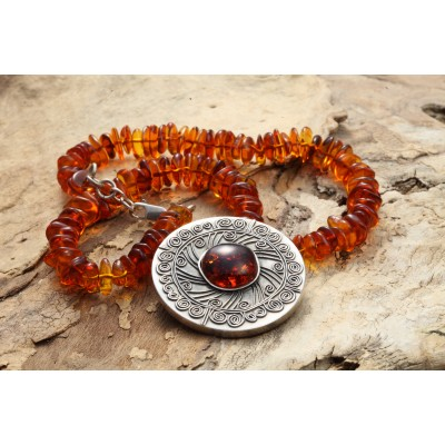 Medallion Amber Necklace